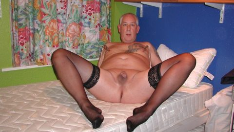 I'm Ian and l love to expose myself in nylons and naked