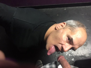 Chris Suse licking a drug dealers cock at the